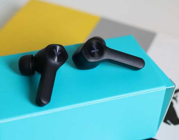体验雷柏VM700s蓝牙耳机,游戏模式低延迟,酷炫背光尽显电竞本色